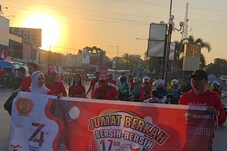 HUT RI, Telkomsel Branch Mataram gelorakan spirit