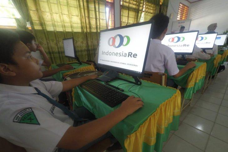 Indonesia Re berikan bantuan penunjang pendidikan di Gorontalo