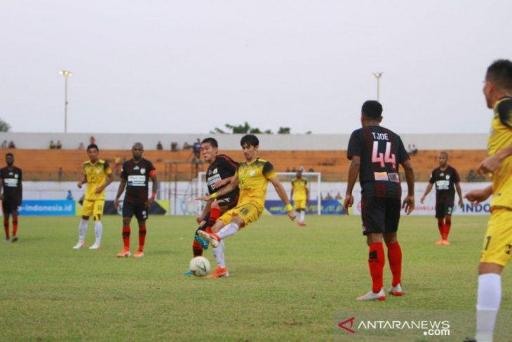 Persipura crushes Barito Putera 4-0 at home