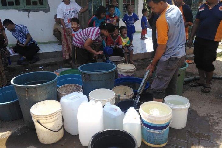 BPBD Lebak salurkan air bersih ke lima kecamatan krisis air