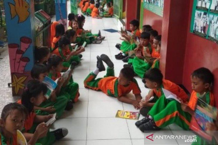 Siswa Tangerang dijadwalkan membaca buku sebelum belajar