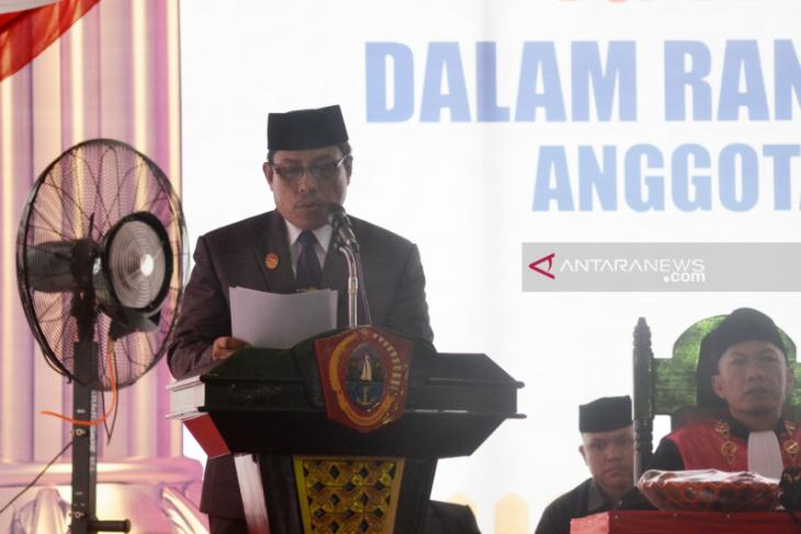 25 anggota DPRD Gorontalo Utara periode 2019-2024 resmi dilantik