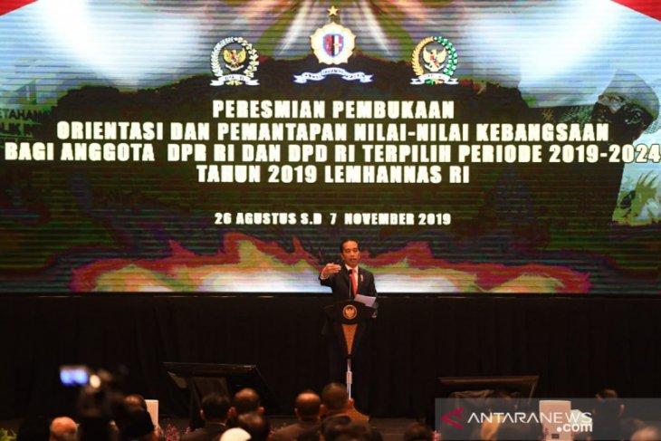 Joko Widodo kritik pembuatan UU yang bertele-tele