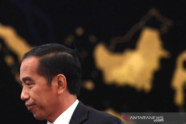 Hadapi tantangan bangsa diperlukan strategi dan regulasi, kata Jokowi