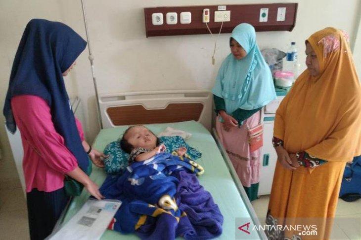 Anak mualaf menderita penyakit hidrosefalus di Aceh Timur