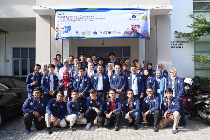 Disaster management skills imparted to 29 int'l students at Unsyiah