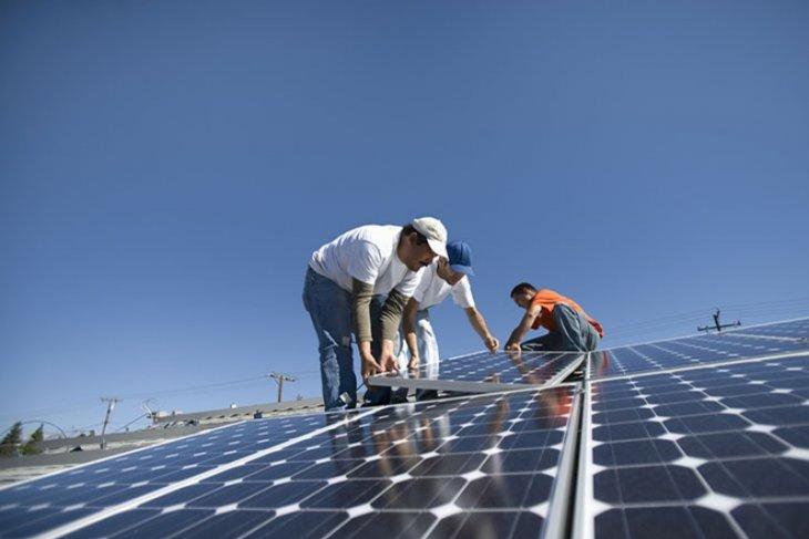 Pioneering research on renewable energy garners APEC prize
