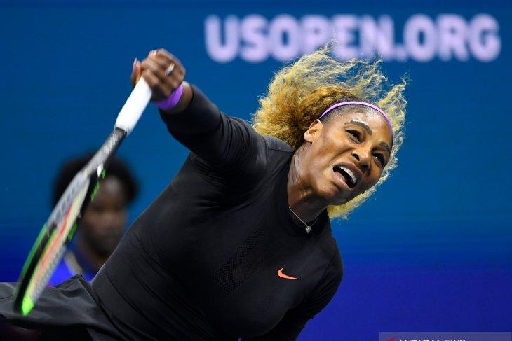Serena Williams menang untuk ke-100 kali, melaju ke semifinal
