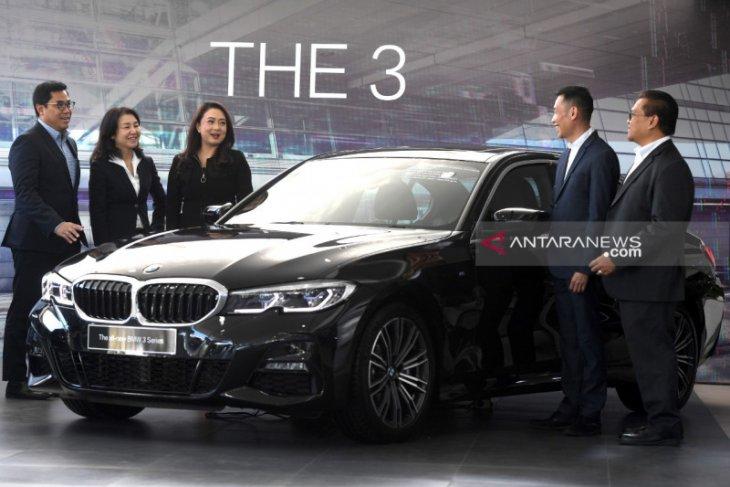 BMW bidik pasar mobil premium di Surabaya