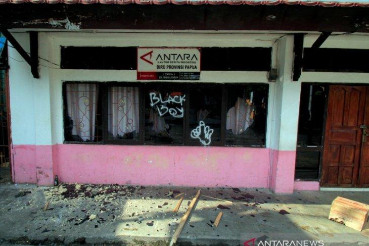 PWI prihatinkan perusakan kantor ANTARA Papua