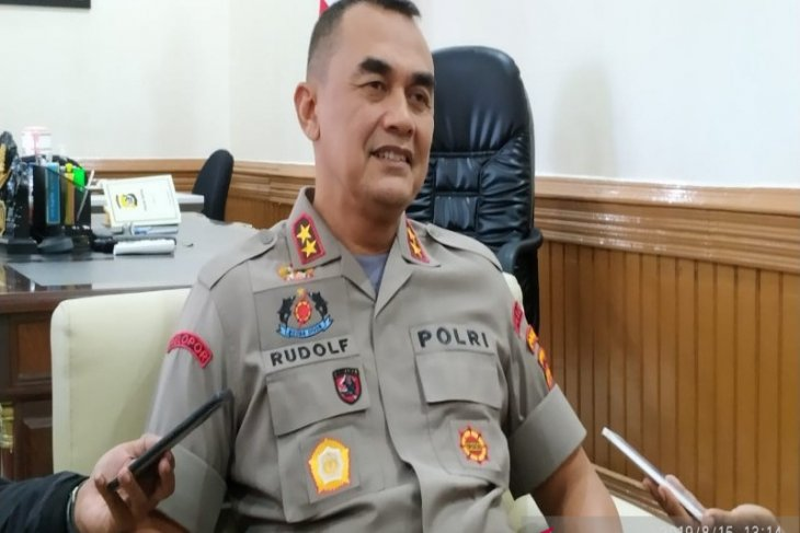 Papua police chief asks businessmen to resume activities