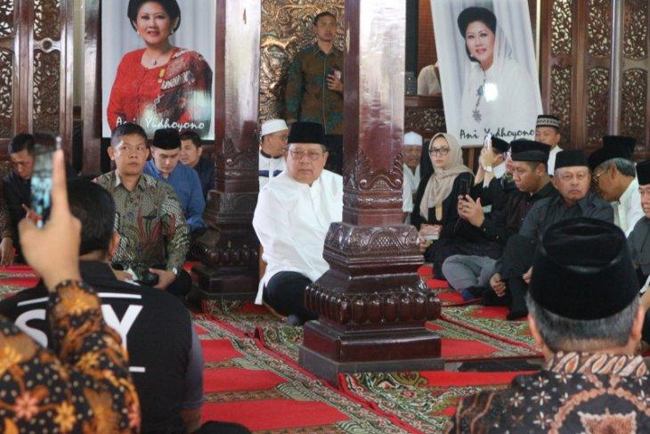 SBY:  Ini tahun terberat keluarga kami