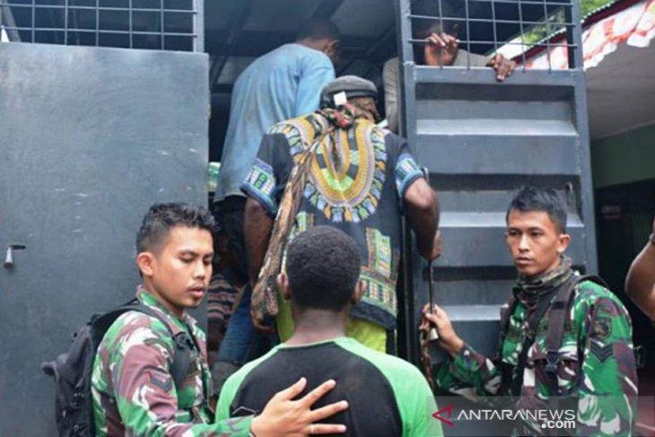 Papua Terkini - Merasa ditipu isu rasisme, ratusan warga Papua menyesal dan tidak mau demo lagi