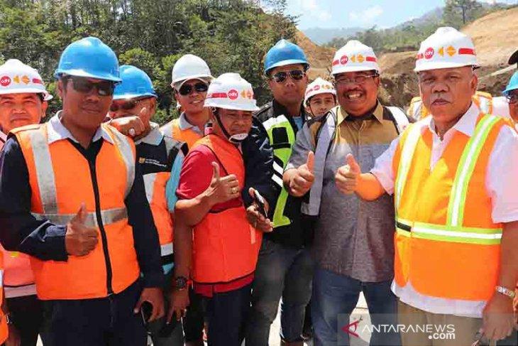 Menteri PUPR tinjau pembangunan jalan pintas Singaraja-Mengwitani