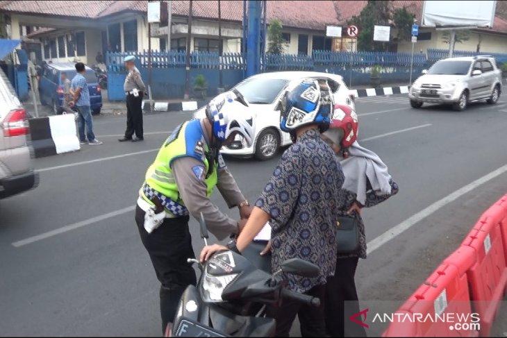 Hingga hari keempat, ribuan pengendara terjaring Operasi Patuh Lodaya di Sukabumi