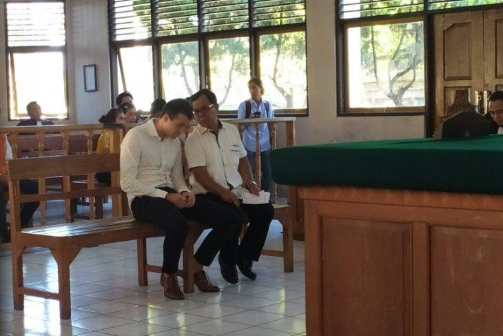 Turis Australia diadili atas kasus pencurian di Bali