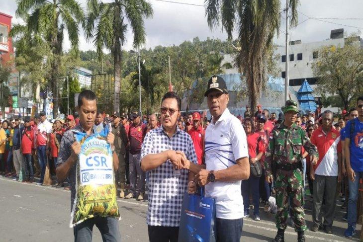 BRI Papua-Papua Barat bantu pengungsi korban demo