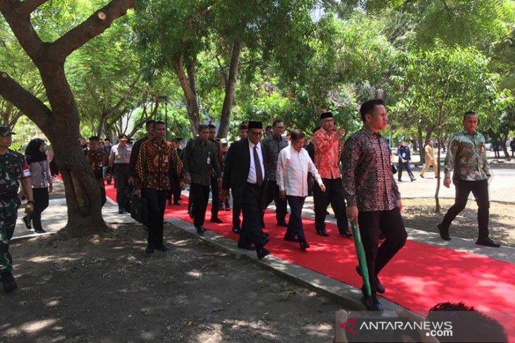 Wapres Jusuf Kalla resmikan gedung proyek 7in1