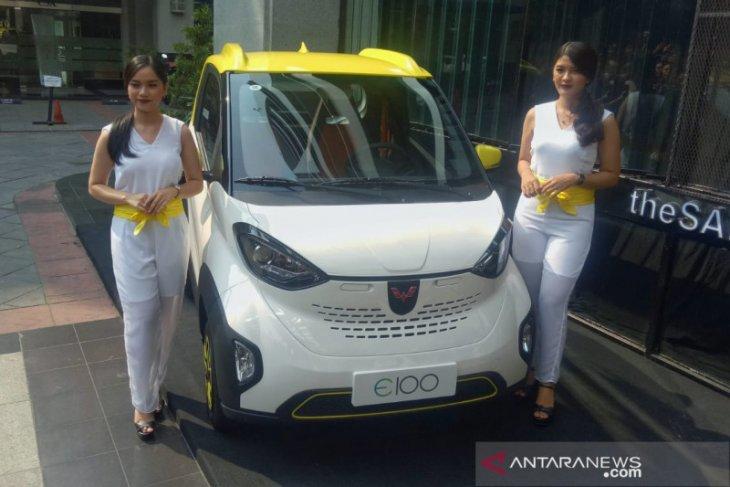 Inilah Wuling E200, kendaraan yang bisa mencari parkir sendiri