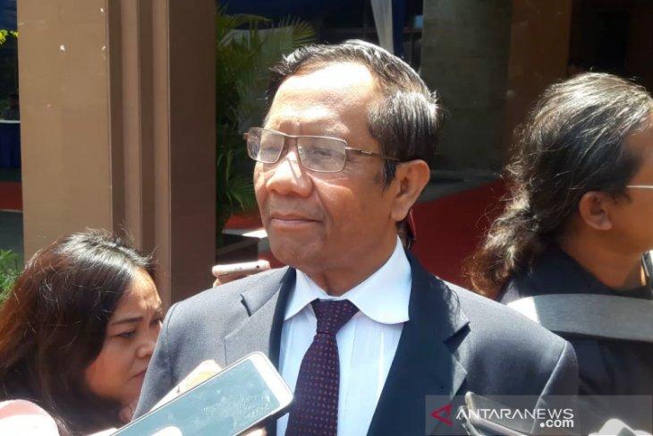 Revisi UU KPK disarankan Mahfud MD jangan terburu-buru