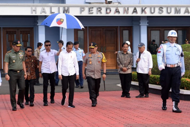 Jokowi undertakes work visit to West Kalimantan