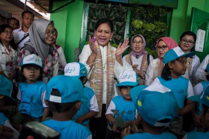 Ibu Negara Iriana Joko Widodo kunjungi PAUD Foto Page 1