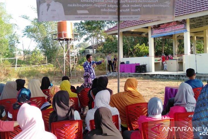 Bupati Bangka Tengah minta pasar desa khusus menjual produk khas lokal