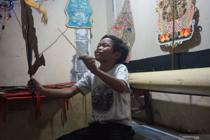 Place for Indonesia's shadow puppetry in gleaming world of youth - ANTARA News