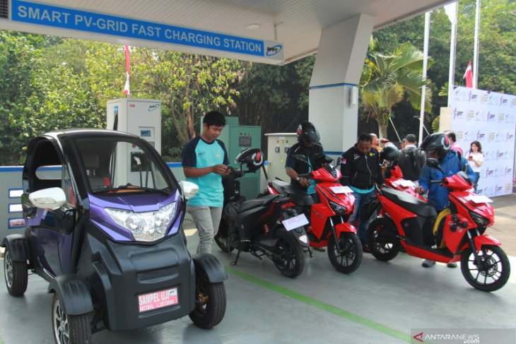 DEN urges offices to furnish electric vehicle charging stations