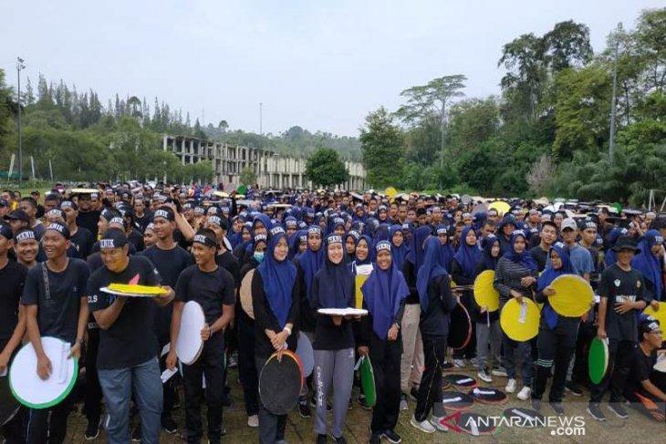 5.000 peserta hadiri senam sehat bersama Unimal hebat