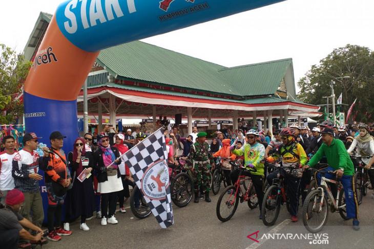 Ribuan peserta ikuti sepeda santai ISSI  Aceh