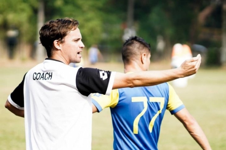 Pelatih Bhayangkara Paul Munster incar satu-dua pemain baru