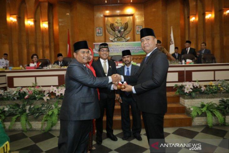 Pimpin DPRD Asahan sementara diserahkan kepada Baharuddin