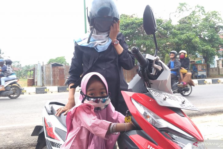 Schools forced to close as haze worsens Jambi's air quality