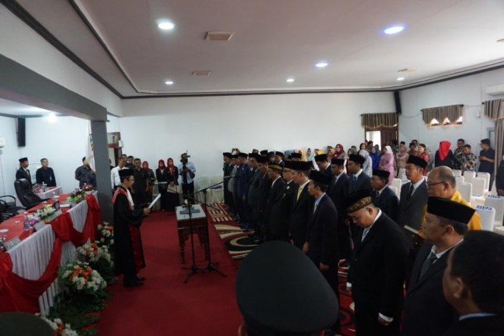 Pelantikan 25 Anggota DPRD Kayong Utara 2019-2024