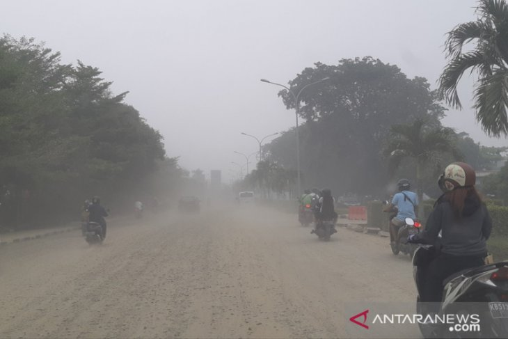 Warga keluhkan debu proyek di Jalan A Yani Pontianak