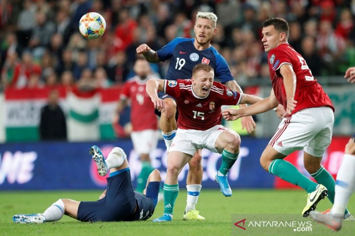 Hongaria terjungkal di kandang buat Kroasia ambil alih puncak Grup E