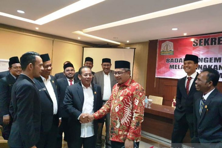 Anggota DPRK Aceh Barat diminta jalin komunikasi dengan pemerintah