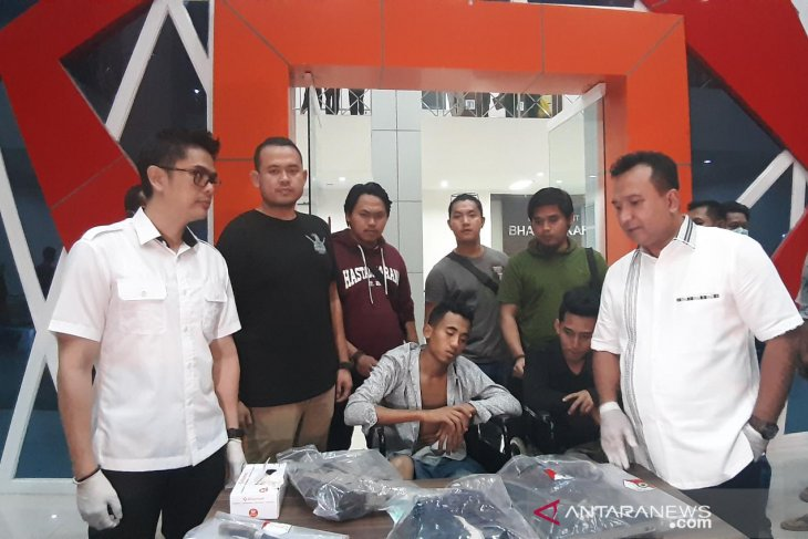 Tersangka pembunuh karyawan Alfamart ditangkap, coba kabur kaki ditembak