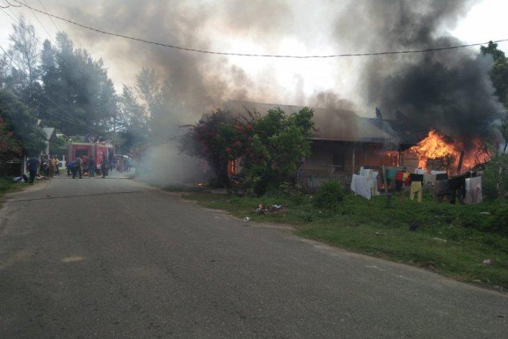 Dua unit rumah hangus terbakar di Aceh Jaya
