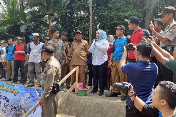 Bupati Irna ajak masyarakat untuk perbanyak konsumsi ikan