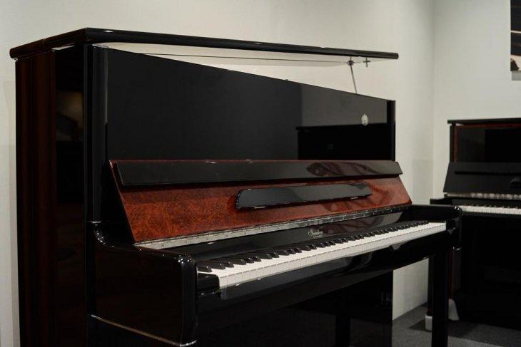 The Grand Signature hadirkan Piano Upright