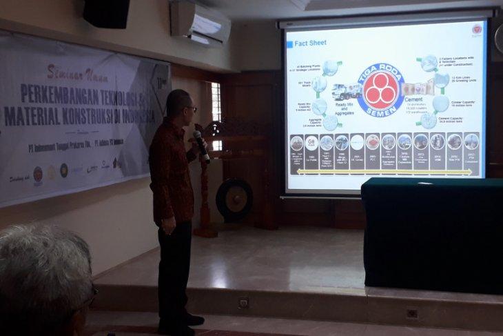 UI mendapat kunjungan dari Indocement pada program