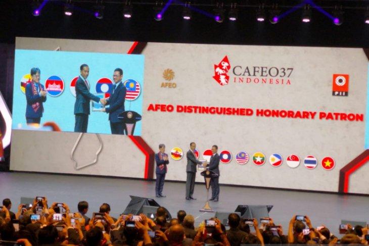 Jokowi: Penghargaan AFEO untuk para insinyur di pedalaman