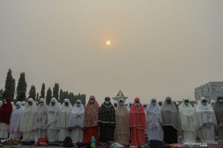 Gubernur Riau tugas ke Thailand saat kabut asap kian pekat