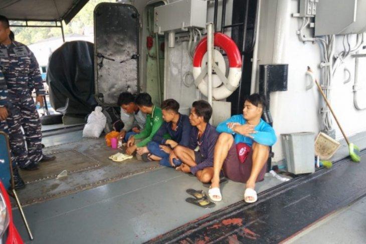 Kapal pencuri ikan berbendera Vietnam ditangkap KRI CND-375