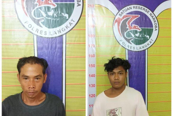 Polisi Satresnarkoba Langkat tangkap dua pemilik narkotika
