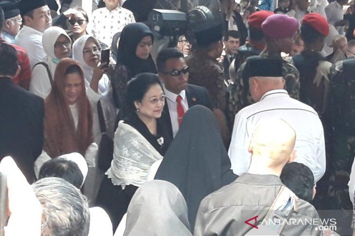 Pemakaman B.J. Habibie  dihadiri Megawati dan SBY