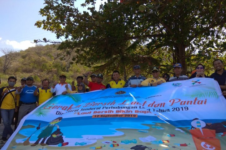 KSOP Gorontalo gelar Gerakan Bersih Pantai