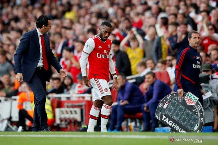 Arsenal dipastikan tidak diperkuat Lacazette hingga Oktober akibat cedera